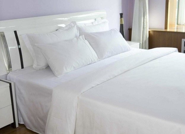 plain-double-bed-sheet